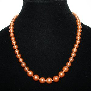 Beautiful vintage peach pearl necklace 20""